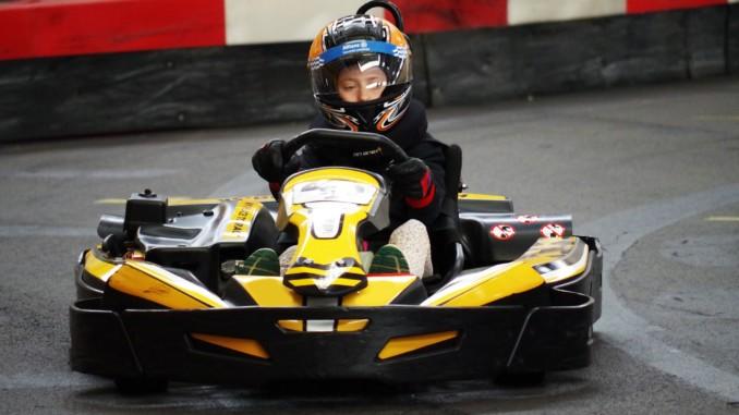 Kartfahrendes Kind Autodrom Magazin