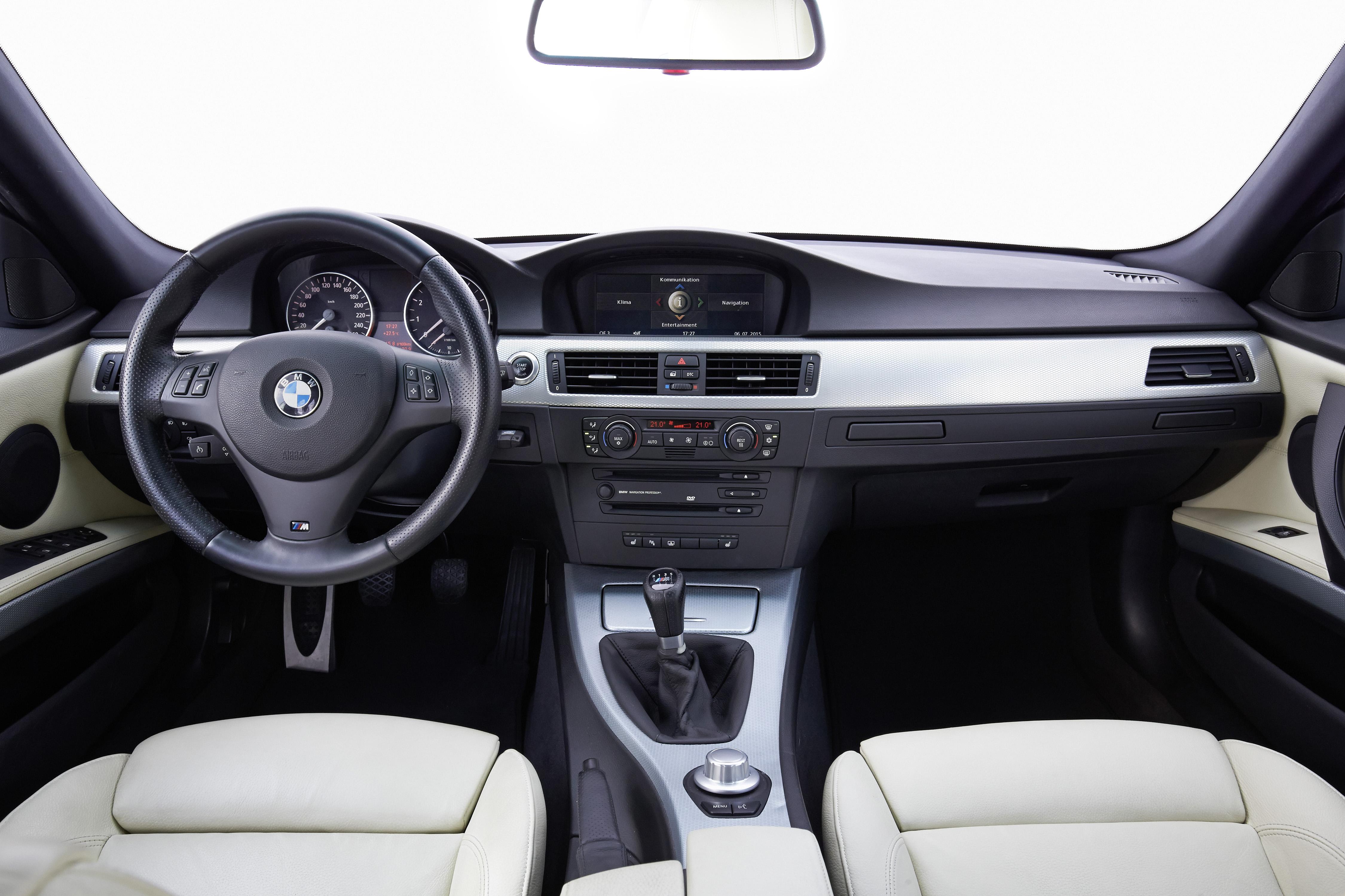 E90 BMW Cockpit Autodrom Magazin