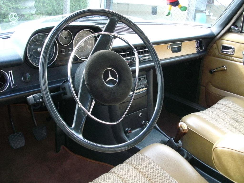 Mercedes Benz Strichachter Innenraum
