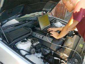 BMW E39 Profi Andy liest den Fehlerspeicher aus
