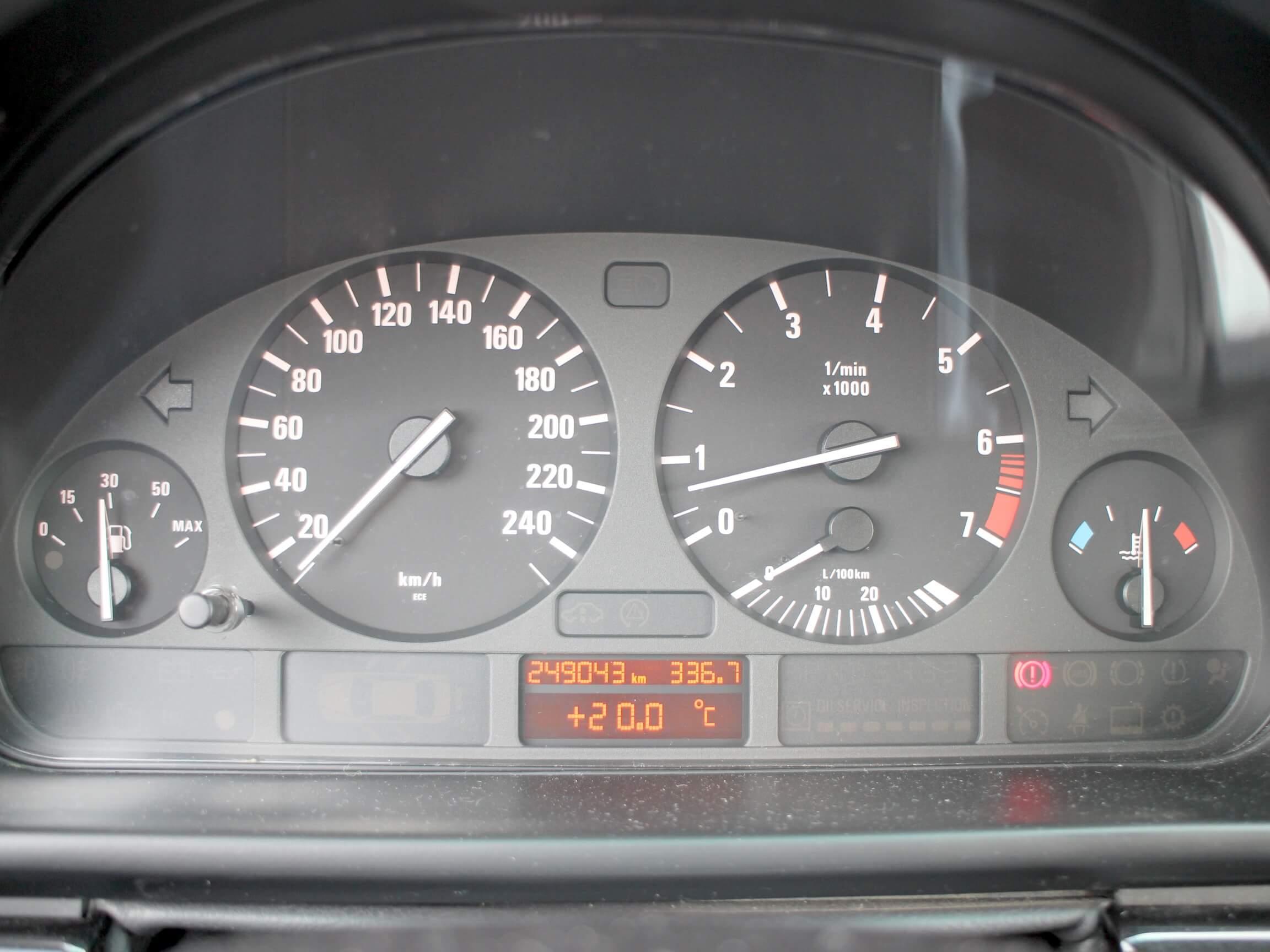 BMW E39 523i AUTODROM Moschokarfis Tacho