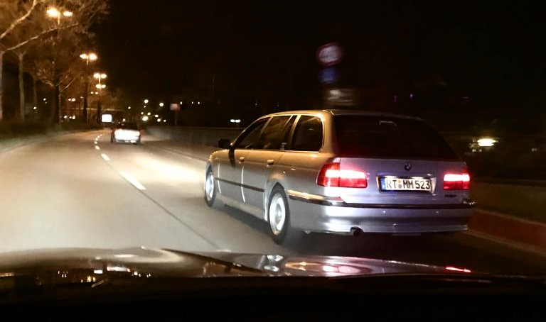 BMW E39 Youngtimer 523i Touring AUTODROM Magazin Moschos Moschokarfis