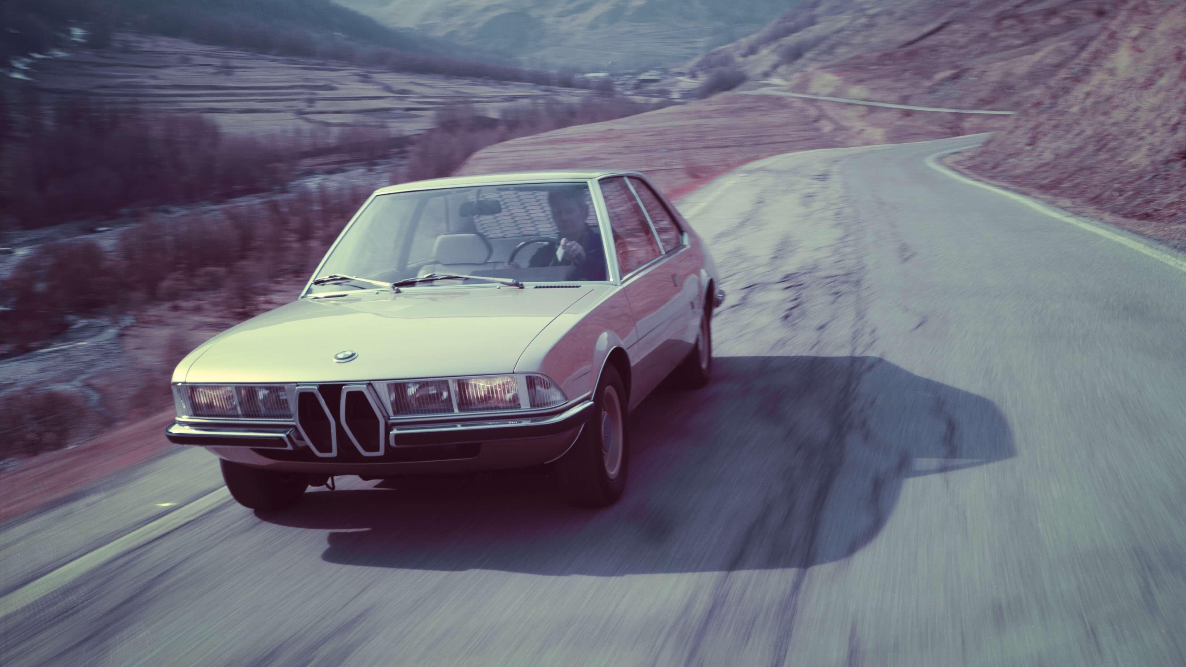AUTODROM Magazin Moschokarfis BMW Garmisch