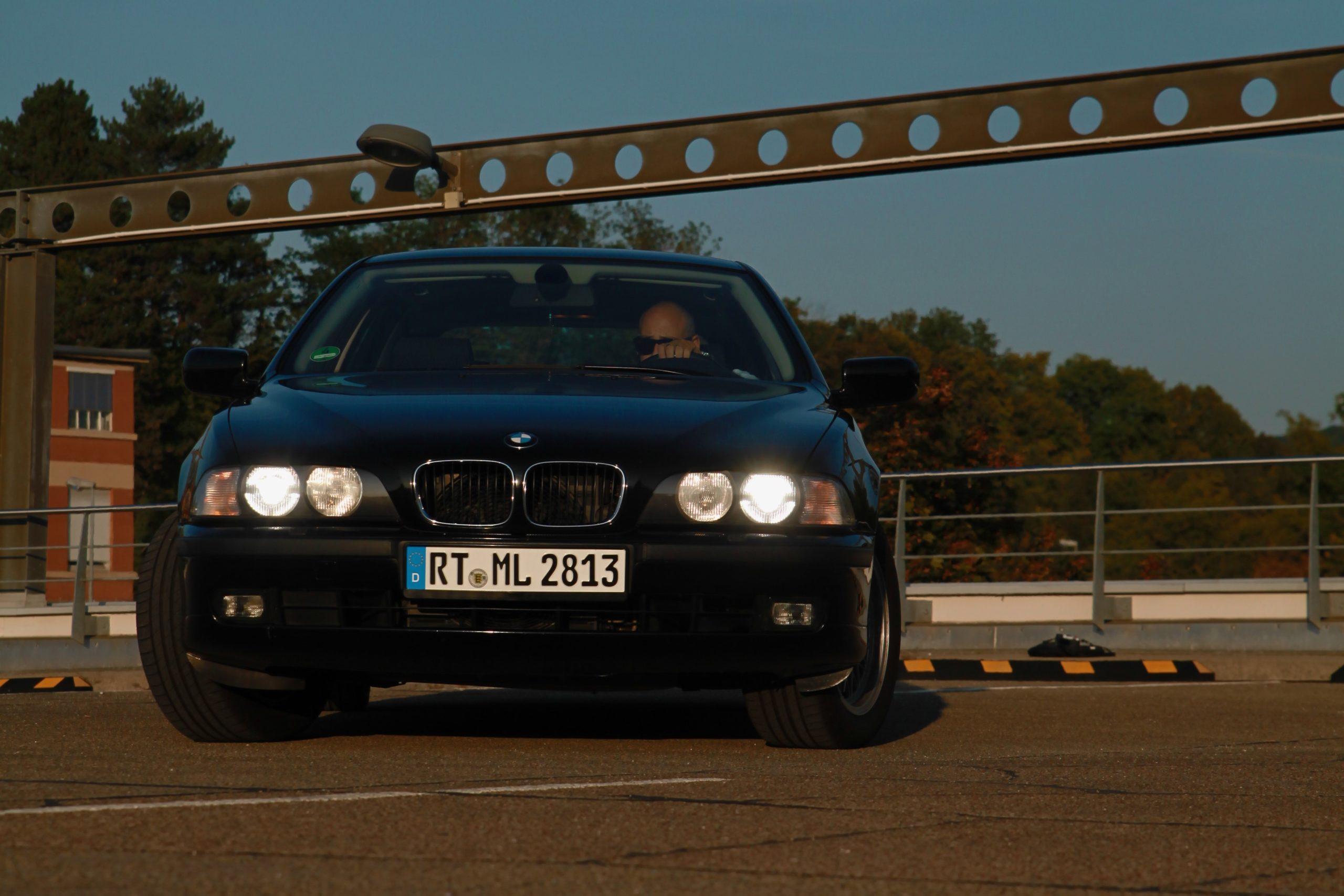 AUTODROM_Header_Moschokarfis_Madeleine_BMW_E39